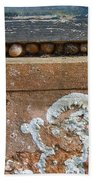 Snails At Home With Lichen Bath Towel