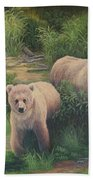The Cubs Of Katmai Bath Towel