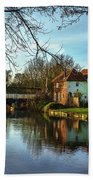 The Kennet And Avon Canal At Sulhamstead Bath Towel