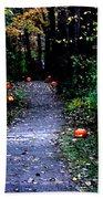Trail Of 100 Jack-o-lanterns Bath Towel