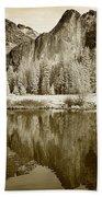 View Of Yosemite Bath Towel