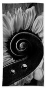 Violin Scroll And Sunflower In Black And White Bath Towel