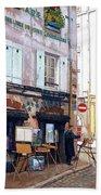 Un Artiste A La Place Du Tertre Paris. Bath Towel