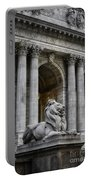 Ny Library Lion Portable Battery Charger