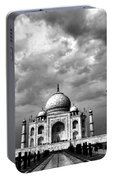 Taj Mahal India In Black And White Portable Battery Charger