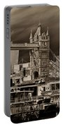 River Thames Art Portable Battery Charger