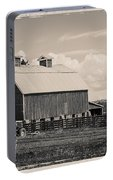 Barn In Polaroid Portable Battery Charger