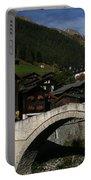 Binn Portable Battery Charger by Travel Pics