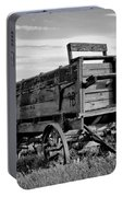 Black And White Covered Wagon Portable Battery Charger