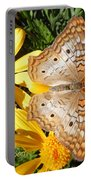 Butterfly And Daisies Portable Battery Charger