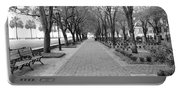 Charleston Waterfront Park Walkway - Black And White Portable Battery Charger