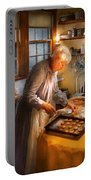 Chef - Kitchen - Coming Home For The Holidays Portable Battery Charger