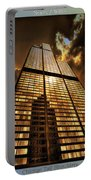 Chicago Tall Shoulders Trump Sears 333 W Wacker Triptych 3 Panel 01 Portable Battery Charger