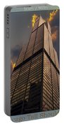 Chicago Tall Shoulders Trump Sears 333 Wacker Triptych 3 Panel 03 Portable Battery Charger