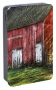 Farm - Barn - The Old Red Barn Portable Battery Charger