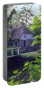 Giethoorn Thatch Portable Battery Charger