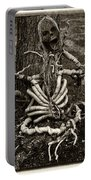 Halloween Green Skeleton Black And White Portable Battery Charger