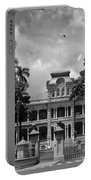 Hawaii's Iolani Palace In Bw Portable Battery Charger