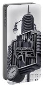 Hollywood Landmarks - Hollywood And Vine Sign Portable Battery Charger