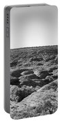 Kings Canyon Black And White Portable Battery Charger