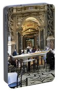 Kunsthistorische Museum Cafe II Portable Battery Charger