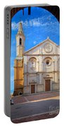 Pienza Duomo Portable Battery Charger