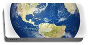 Planet Earth On White - America Portable Battery Charger
