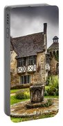 Scotney Castle 4 Portable Battery Charger
