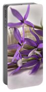 Starshine Laurentia Flowers And White Shell Portable Battery Charger
