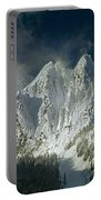 1m4503-three Peaks Of Mt. Index Portable Battery Charger