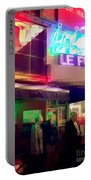 Times Square At Night - Le Funk Portable Battery Charger