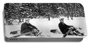 U Of W Crew Stage Toboggan Race Portable Battery Charger