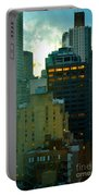 Up - Skyscrapers Of New York Portable Battery Charger