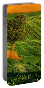 Val D'orcia Tree Portable Battery Charger