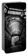 Leadenhall Market Black And White Portable Battery Charger