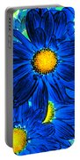 Pop Art Daisies 15 Portable Battery Charger