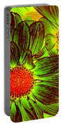 Pop Art Daisies 5 Portable Battery Charger