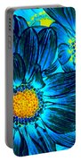 Pop Art Daisies 7 Portable Battery Charger
