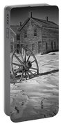 Wagon Wheel In Winter Portable Battery Charger