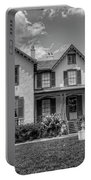 Lincoln Cottage In Black And White Portable Battery Charger