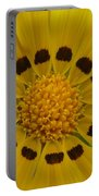 Australia - Yellow Daisy Flower Portable Battery Charger
