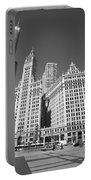 Chicago Skyscrapers Portable Battery Charger