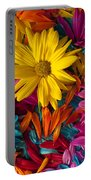 Daisies Petals Portable Battery Charger