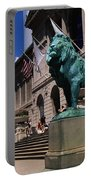 Art Institute Of Chicago Chicago Il Usa Portable Battery Charger