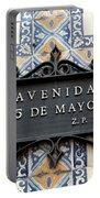 Avenida 5 De Mayo Portable Battery Charger