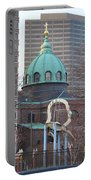 Ben Franklin Sculpture And St Peters Basilica Philadelphia Portable Battery Charger