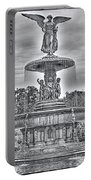 Bedesta Statue Black And White  Portable Battery Charger