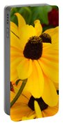 Black-eyed Susan Floral Portable Battery Charger