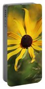 Black Eyed Susan In The Sun  Portable Battery Charger