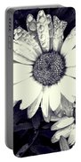 Daisy In Black And White  Portable Battery Charger